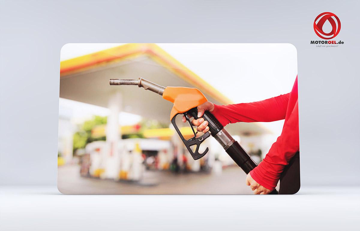 Was kostet Motoröl an der Tankstelle?